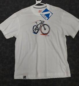 Mens L Dare to B Mountain bike T Shirt.