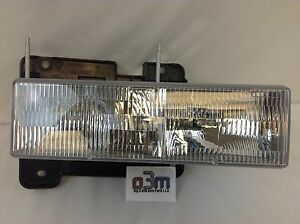 Chevrolet Silverado C/K Suburban GMC Sierra RH FRONT HEADLIGHT ASSEMBLY new OEM