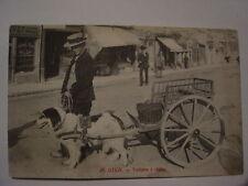 CPA ancienne carte postale GIEN - voiture à chien