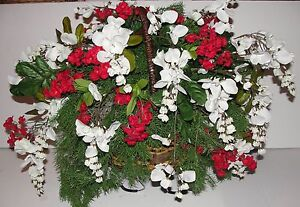 Christmas Grave Cemetery Tombstone Saddle Basket White Wisteria Red Accent Decor