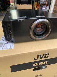 JVC DLA-X500RBE 4K eShift DILA Projector