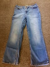 Ladies, Levi Signature Mid Rise Jeans, Size 14, Softly Used.