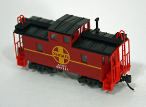 N Kato Santa Fe caboose #711 LIGHTED -- New out of Set