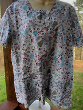 Crest Brand SCRUB TOP Size L - Scoop Neck,3 Button Front Print Pattern
