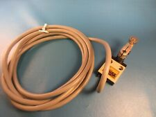 Omron D4C-2624 Limit Switch, Pre-wired, Roller Plunger Switch