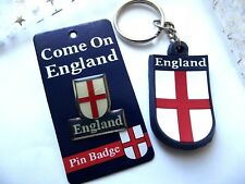 ENGLAND FOOTBALL KEYRING  AND BADGE STRONG CLIP CAR KEY GIFT BAG PARTY BIRTHDAY