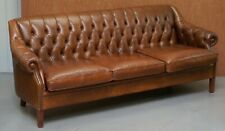 STUNNING HERITAGE VINTAGE BROWN LEATHER CHESTERFIELD TUFTED THREE SEATER SOFA