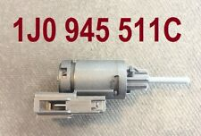 Bremslichtschalter VW GOLF IV  1.6 1.9 SDI 1.9 TDI 1.4 16V  1.6 FSI 1.8