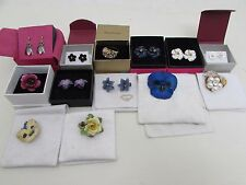 Nice Collection Of 13 Costume Jewellery Flower Items Earrings Brooches