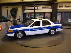Boston Police 1/18 scale Ford Crown Victoria with lights.