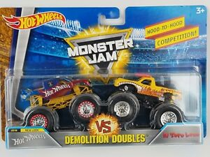 Hot Wheels 2018 Monster Jam Demolition Doubles Hot Wheels vs El Toro Loco