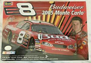 REVELL 85-2884 Dale EARNHARDT Jr Budweiser 2005 Monte Carlo NIP