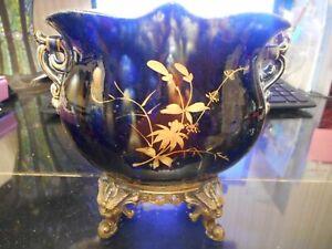 vase bleu de Limoges sur pied bronze
