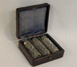 ANTIQUE BOXED THREE GLASS & METAL PERFUME SCENT BOTTLES IN ORIGINAL LEATHER CASE