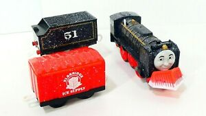 Snow Clearing Hiro Trackmaster Thomas & Friends  Motorized Engine Set 2011