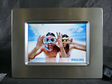 Philips 7-Inch Digital Photo Frame with 6.5 inch Display 7FF1CME Chrome Metal