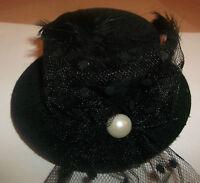 BLACK MINI TOP HAT CLIP ON FASCINATOR MOULIN VICTORIAN BURLESQUE FANCY DRESS