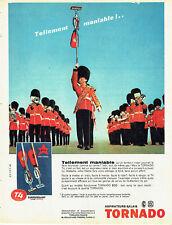 Publicité Advertising 107  1960  aspirateur-balai T4 superpuissant Tornado