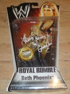 2010 WWE WWF Mattel Beth Phoenix Wrestling Figure MIP Chase 449/1000 belt signed