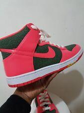 quality design b508a 5dd9f Nike Maharam Dunk Rosa Hi Top Resbalón en Zapatillas UK 5