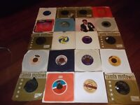 A JOB LOT OF 20 NORTHERN SOUL / SOUL SINGLES.TOBI LEGEND,MOTOWN SPINNERS,METERS.