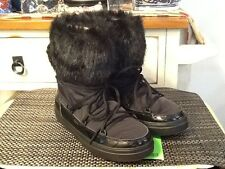 NEW Crocs Black LodgePoint Lace-Up Boots US size 7 Faux Fur Trim
