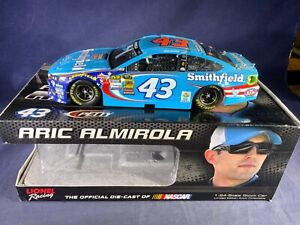 R6-64 ARIC ALMIROLA #43 SMITHFIELD - 2016 FORD FUSION - MISSING WING