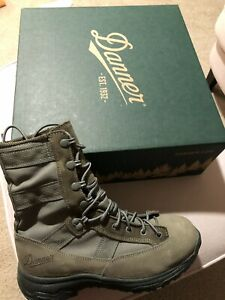 Extra Wide EE + Desert Boots for Men
