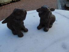 lapin en fonte pat brun , couple , rongeur, déco jardin .. le de 2 pièces !