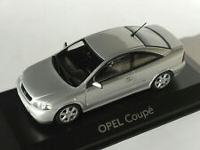 Opel Astra G Coupe in silber argentin silver metallic, Minichamps in 1:43 DEALER