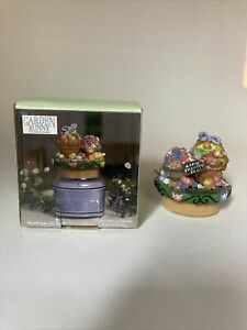 Kathy Hatch Collection Small Jar Candle Topper Easter Basket/Eggs 2001 With Box