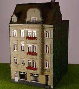H0 Gebäude, großes Wohnhaus Stadthaus m Hinterhaus, patiniert, gealtert