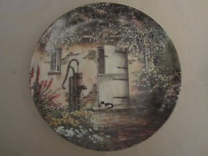 THE OLD HAND PUMP collector plate MAURICE HARVEY Country Nostalgia