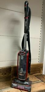 Shark Upright Vacuum Cleaner with Powered Lift-Away Anti-Hair Wrap NZ801UK