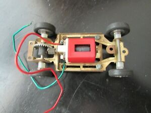 MONOGRAM  SLOT  RACING  CAR =MOTOR  & CHASSIS  SCALE 1/32  NEW