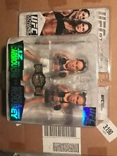 LIMITED EDITION Liz Carmouche & Ronda Rousey UFC 157 Round 5 Action Figure
