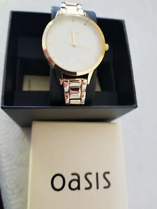 Oasis unisex Watch -  round  Rose Gold case and strap white face New