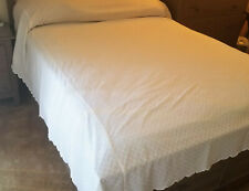 Vintage JANE WILNER Tufted White Chenille Bedspread 96x90  Scalloped USA made
