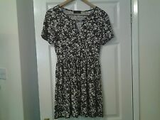 Ladies size 12 Missi of London skater style dress