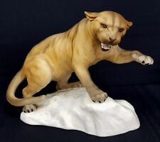 Large BESWICK Ornamental Puma Climbing on Rocks/Mountain (1702) - Q4