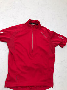 Mens Endura cycling top Jersey. Size Medium.