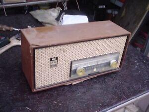 Old Philco Dual Speaker Horizontal Tube Radio M-938-124 for Parts or Repair