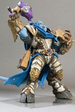 New World of Warcraft Vindicator Marrad -Draenei Paladin-Deluxe Action Figure