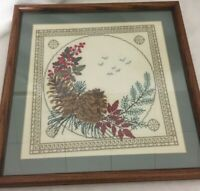 Vintage Pine Cone Berries Holiday Christmas Needlepoint Framed Completed 15x15