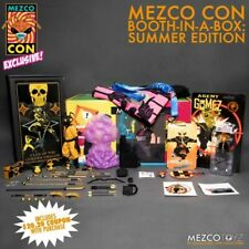 Mezco Con Booth-In-A-Box Clan of The Golden Dragon Gomez L Shirt and all swag