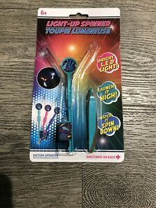 Light Up Spinner LED Lights Party Or Outdoor Flying Toy Battery Included