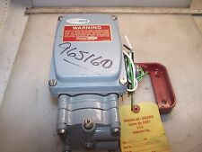 "NEW DRESSER 1/8"" PORT PNEUMATIC VALVE POSITIONER TYPE 8012"
