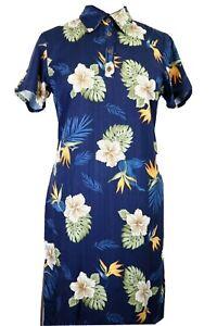 NWT Caribbean Joe women's Medium knee length dress, white hibiscus on dark blue
