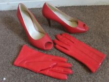 LADY'S RED HIGH HEELED NEW LOOK SHOES UK SIZE 4 & BHS LINED GLOVES SIZE LARGE
