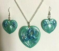 ART NOUVEAU STYLE IRIS HEART PENDANT EARRINGS SET GREEN BLUE SILVER PLATED LARGE